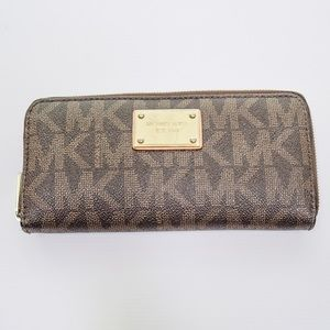 Michael Kors Brown Leather Classic MK ZIP Wallet